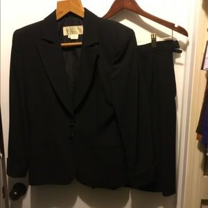 Gucci Italy Black Suit